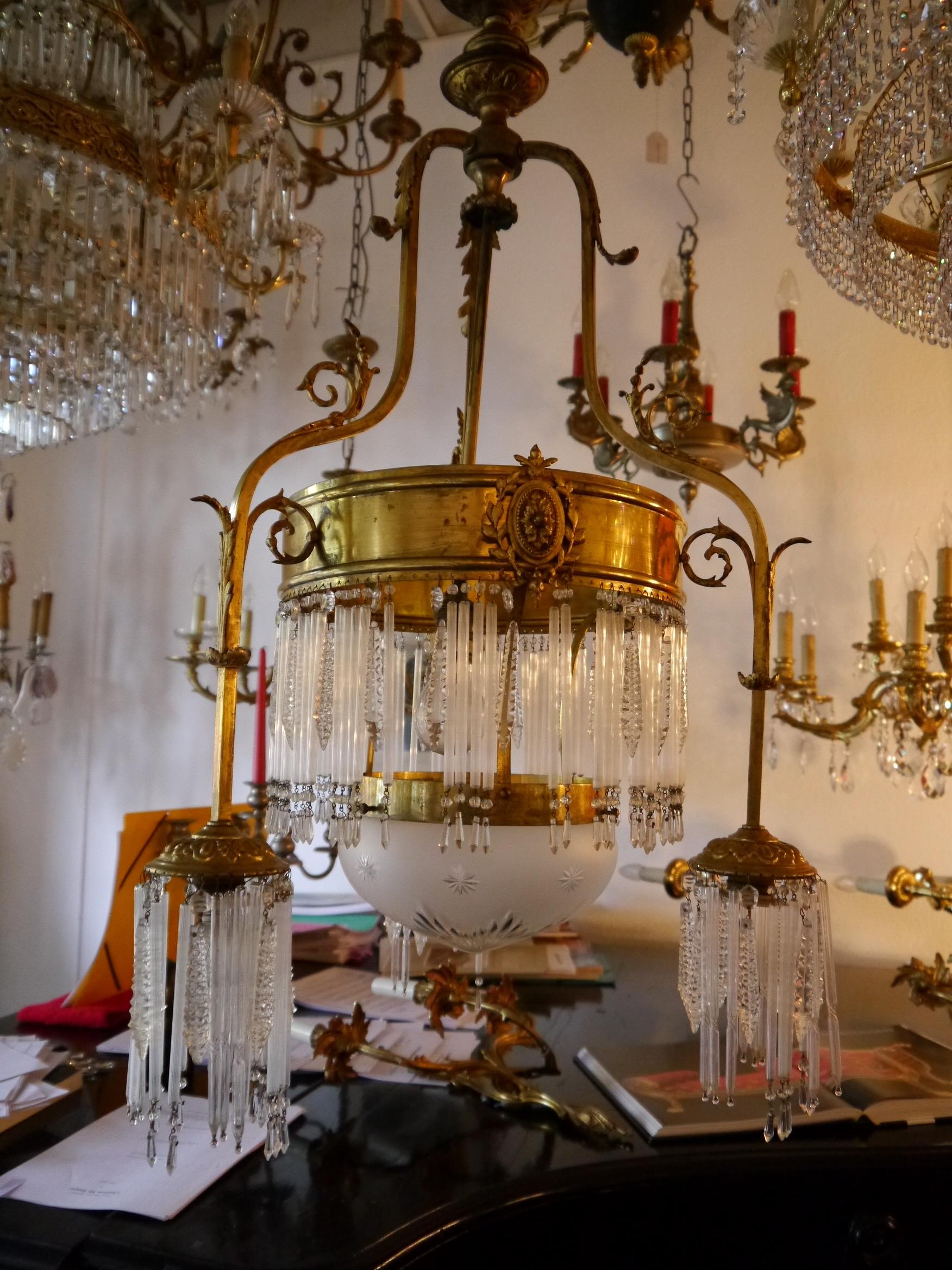 sac a perle 4 fl antike jugendstil lampe messing ppig mit glasst bchen geschm ckt verkauft. Black Bedroom Furniture Sets. Home Design Ideas
